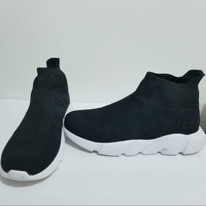 Like New FILA Men's Shoes